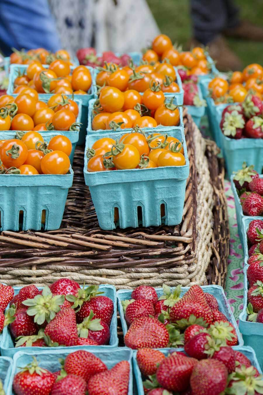 Tomatos and strawberries